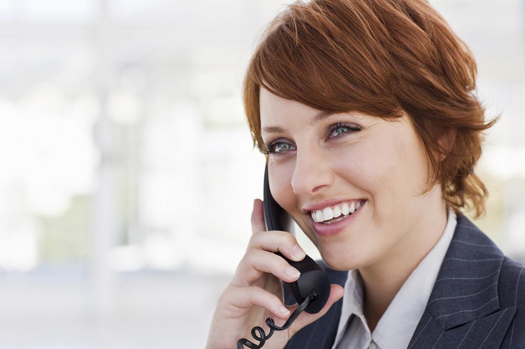 Abogada al teléfono atendiento en nombre de TuAbogadoDeBolsillo - ABOGADOS ONLINE - ABOGADOS 24H - TU ABOGADO DE BOLSILLO (BARCELONA) | ABOGADOS 24H ONLINE: DERECHO CIVIL – FISCAL – MERCANTIL – LABORAL – ADMINISTRATIVO. – TU ABOGADO DE BOLSILLO (BARCELONA) | ABOGADOS 24H ONLINE: DERECHO CIVIL, FISCAL, MERCANTIL, LABORAL, ADMINISTRATIVO